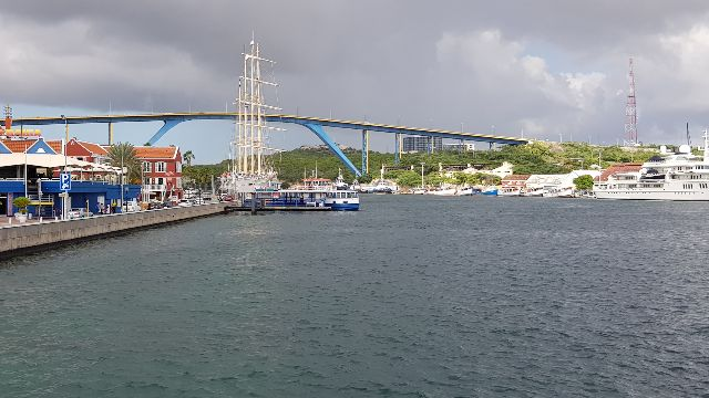 Ponte Rainha Juliana - Willemstad